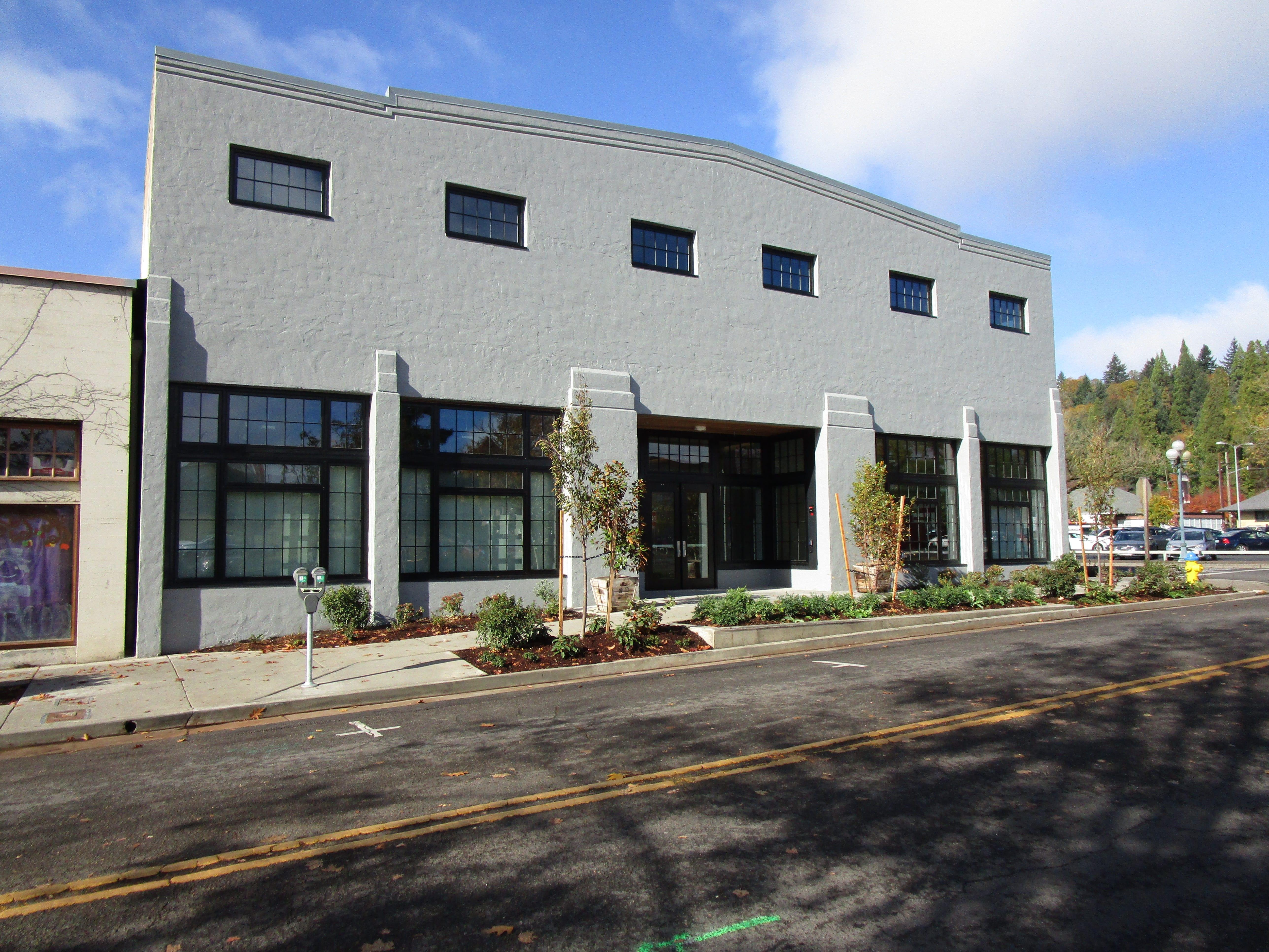 510 Oak Art Studio